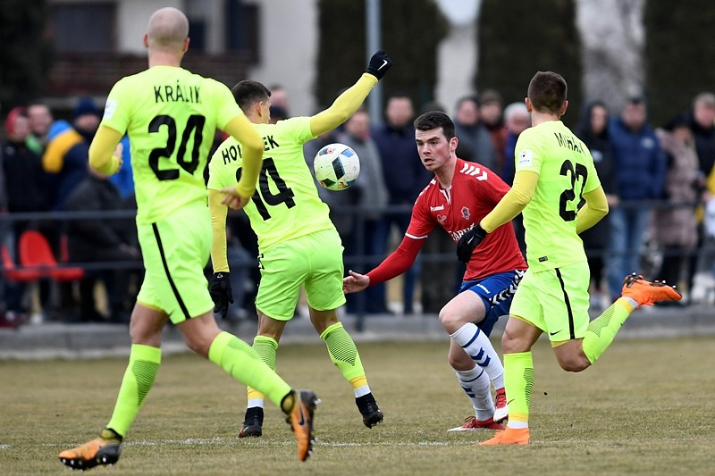 a0faaed78 Šošoni a Slovan do semifinále Slovnaft Cupu | FutbalPortal.sk